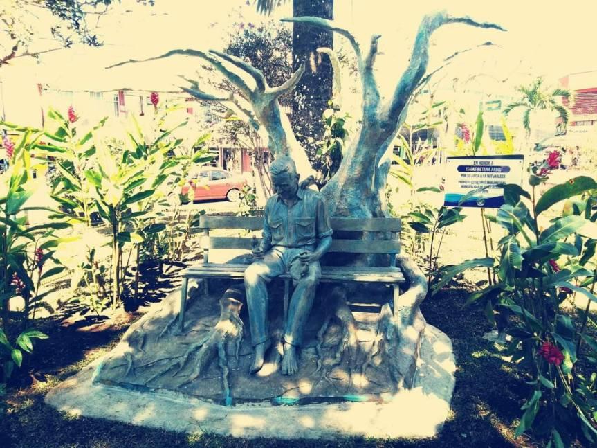 Esculturas, murales y espacios dedicados para la cultura ; ¿ A quienes les importa en San Isidro de El General, Pérez Zeledón.?